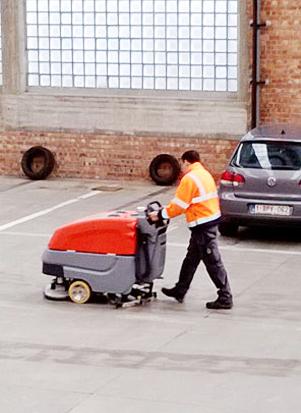 Nettoiement urbain (Abribus / Parking)