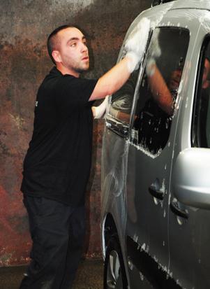 Lavage et préparation automobile
